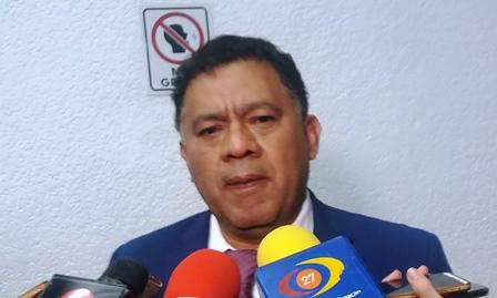 No hay posibilidades de aprobar un nuevo crédito para Michoacán: Fermín Bernabé. Noticias en tiempo real