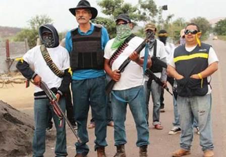 Mireles alienta a autodefensas en La Huacana. Noticias en tiempo real