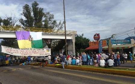 Se manifiestan grupos indígenas. Noticias en tiempo real