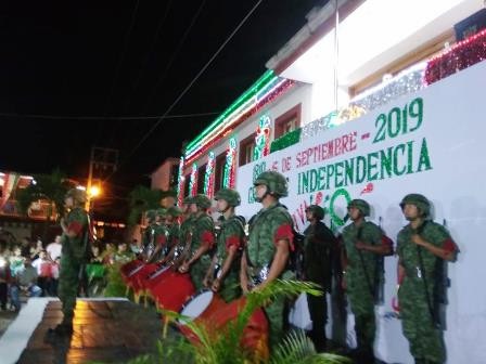sin-incidentes-concluyen-ceremonias-del-grito-de-independencia-en-michoacan
